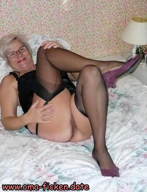 Nylonsex mit Oma aus Hessen erleben