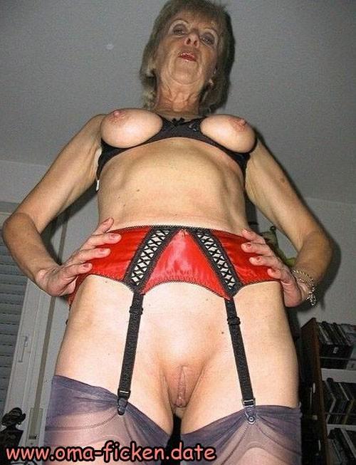 Rentnersex mit sexhungriger Oma