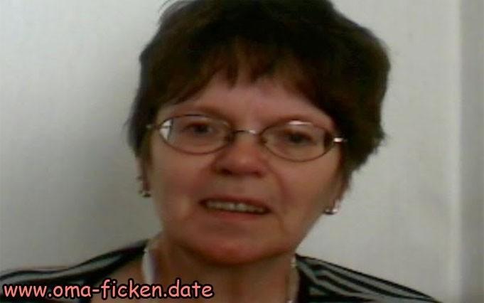 Geile Rentnerin wird zur Hobby Nutte für DICH
