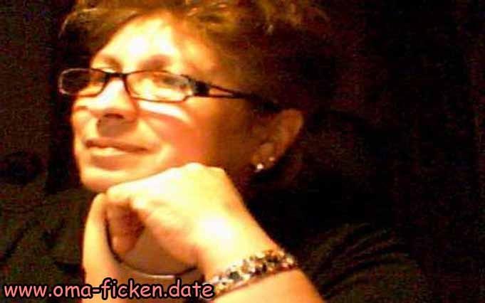 Seniorensex mit Oma aus Hannover